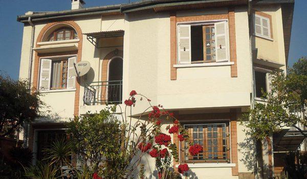 Villa mixte Entre tradition et modernité